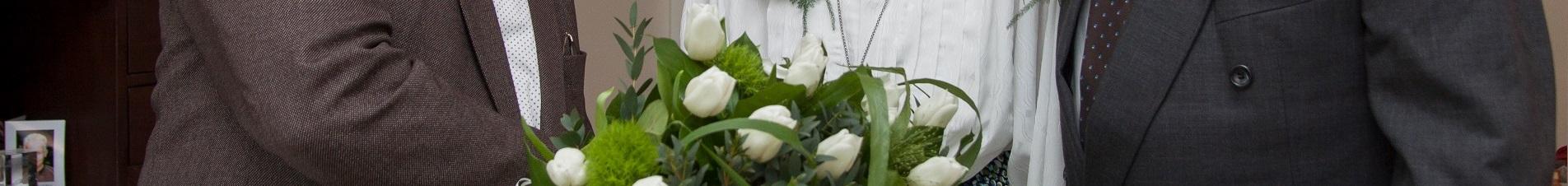 bloemen versturen naar  gefeliciteerd